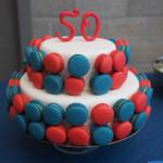 macarontaart 50 blauw rood desserttafel