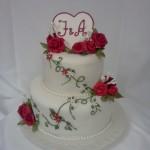 bruidstaart rode rozen hart